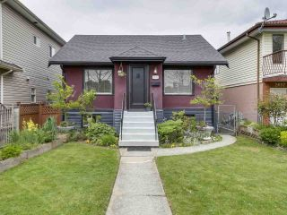 Photo 1: 2651 VENABLES Street in Vancouver: Renfrew VE House for sale (Vancouver East)  : MLS®# R2266027