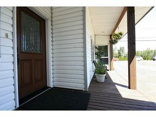 """Photo 2: 41464 YARROW CENTRAL Road: Yarrow House for sale in """"YARROW"""" : MLS®# H1400149"""