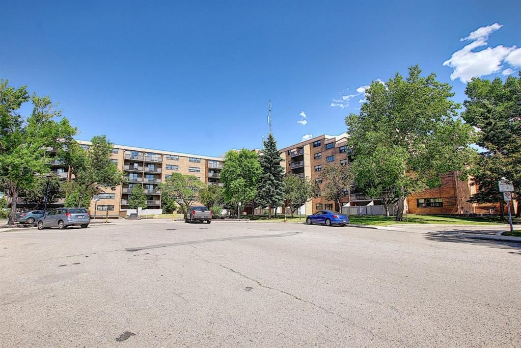 Photo 2: Photos: 104 30 Mchugh Court NE in Calgary: Mayland Heights Apartment for sale : MLS®# A1123350