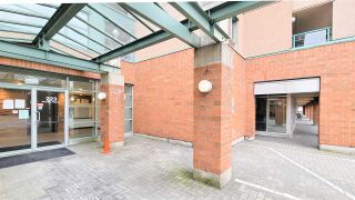 """Photo 2: PH5 223 MOUNTAIN HIGHWAY Highway in North Vancouver: Lynnmour Condo for sale in """"Mountain View Village"""" : MLS®# R2560241"""