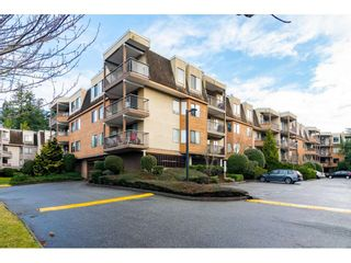 "Photo 4: 107 1720 SOUTHMERE Crescent in Surrey: Sunnyside Park Surrey Condo for sale in ""Spinnaker"" (South Surrey White Rock)  : MLS®# R2541652"