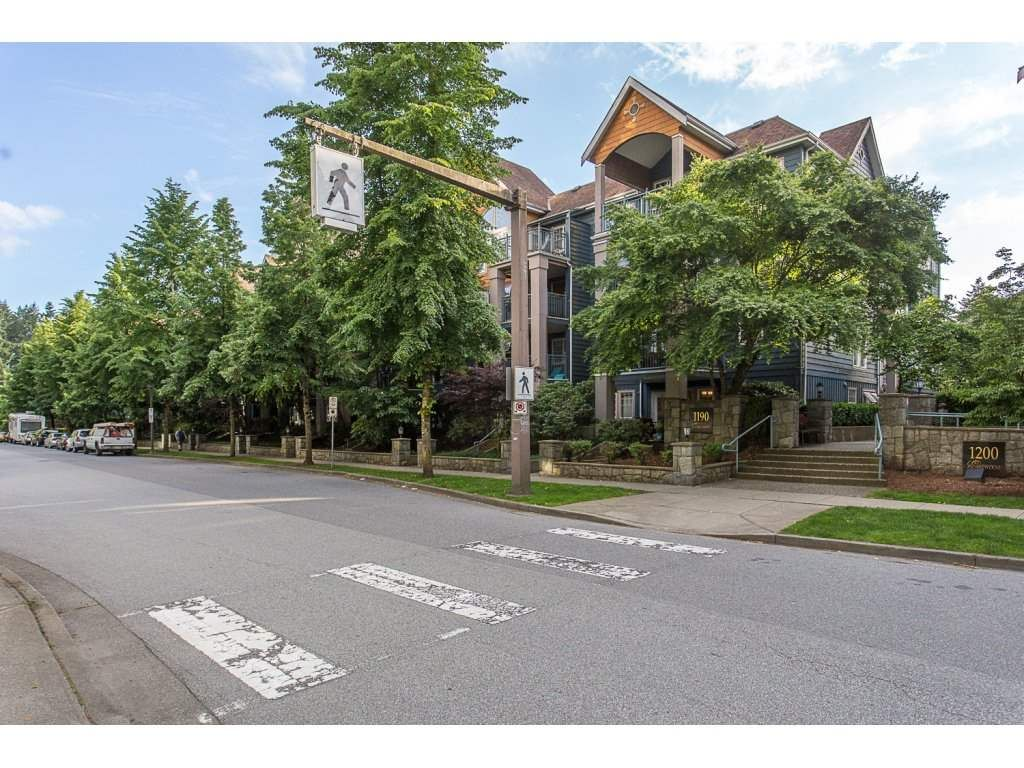 """Main Photo: 308 1190 EASTWOOD Street in Coquitlam: North Coquitlam Condo for sale in """"LAKE SIDE TERRACE"""" : MLS®# R2175674"""
