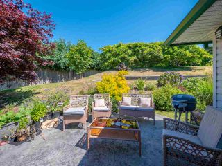 "Photo 16: 5072 BAY Road in Sechelt: Sechelt District House for sale in ""Davis Bay"" (Sunshine Coast)  : MLS®# R2321303"