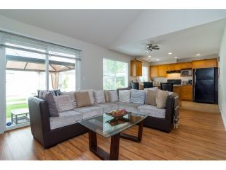 """Photo 5: 71 17097 64 Avenue in Surrey: Cloverdale BC Townhouse for sale in """"The Kentucky"""" (Cloverdale)  : MLS®# R2064911"""