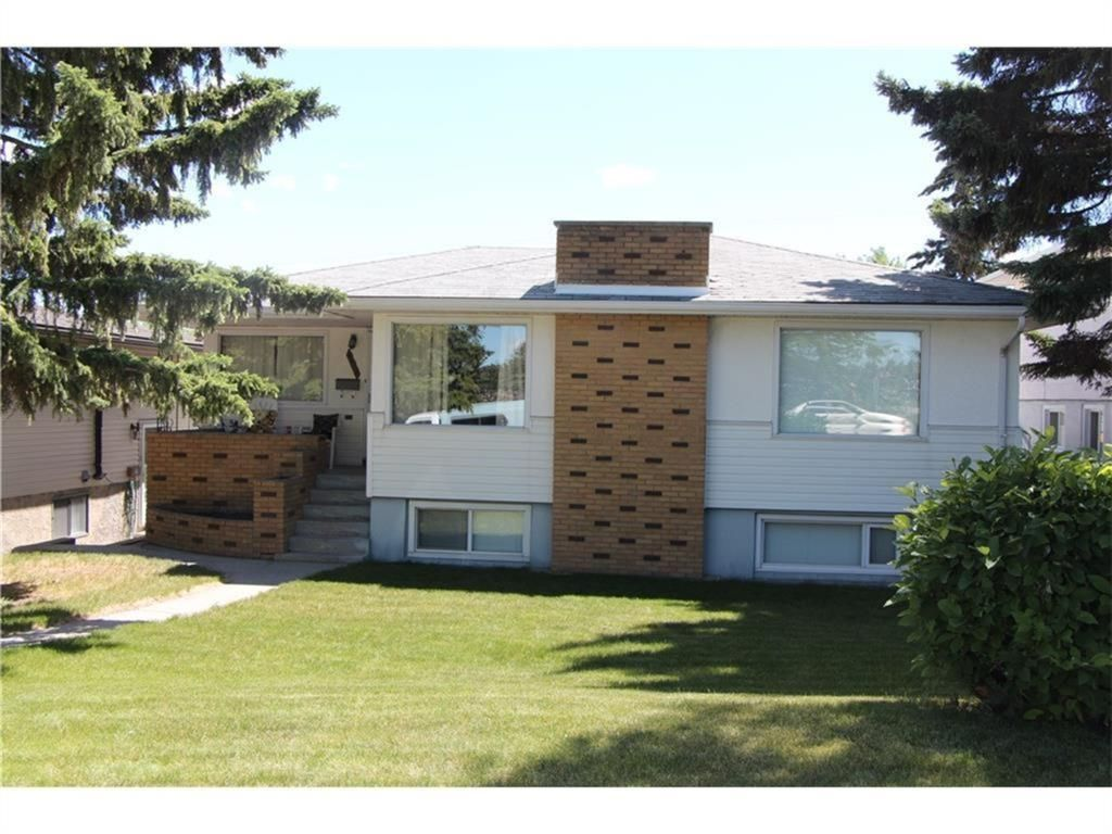 Main Photo: 907 32 Avenue NW in Calgary: Cambrian Heights Detached for sale : MLS®# A1024122
