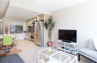 """Photo 5: 701 833 SEYMOUR Street in Vancouver: Downtown VW Condo for sale in """"THE CAPITOL"""" (Vancouver West)  : MLS®# R2185713"""