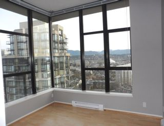 """Photo 17: 2003 11 E ROYAL Avenue in New Westminster: Fraserview NW Condo for sale in """"VICTORIA HILL HIGHRISE RESIDENCES"""" : MLS®# R2045382"""