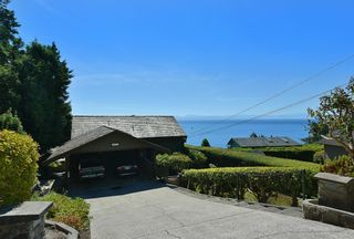 Photo 3: 6853 ISLAND VIEW Road in Sechelt: Sechelt District House for sale (Sunshine Coast)  : MLS®# R2610848