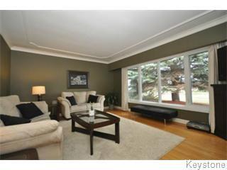 Photo 2: 35 Daffodil Street in Winnipeg: West Kildonan / Garden City Single Family Detached for sale (North West Winnipeg)  : MLS®# 1206808