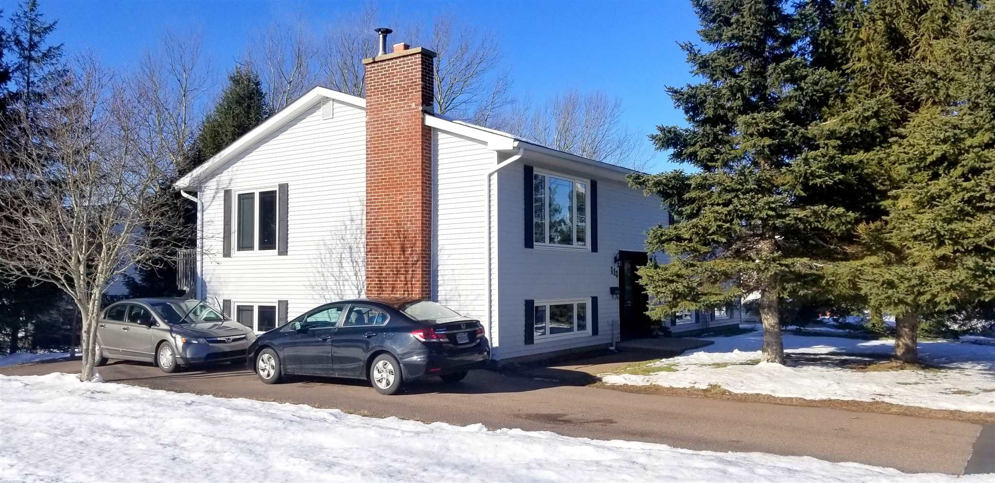 Main Photo: 111 Willow Street in Amherst: 101-Amherst,Brookdale,Warren Residential for sale (Northern Region)  : MLS®# 202100837