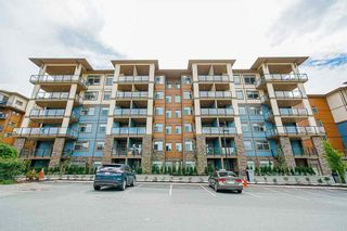 "Photo 2: 114 20673 78 Avenue in Langley: Willoughby Heights Condo for sale in ""The Grayson"" : MLS®# R2538735"