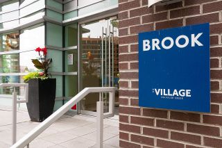 """Photo 2: 410 181 W 1ST Avenue in Vancouver: False Creek Condo for sale in """"The Brook"""" (Vancouver West)  : MLS®# R2614809"""