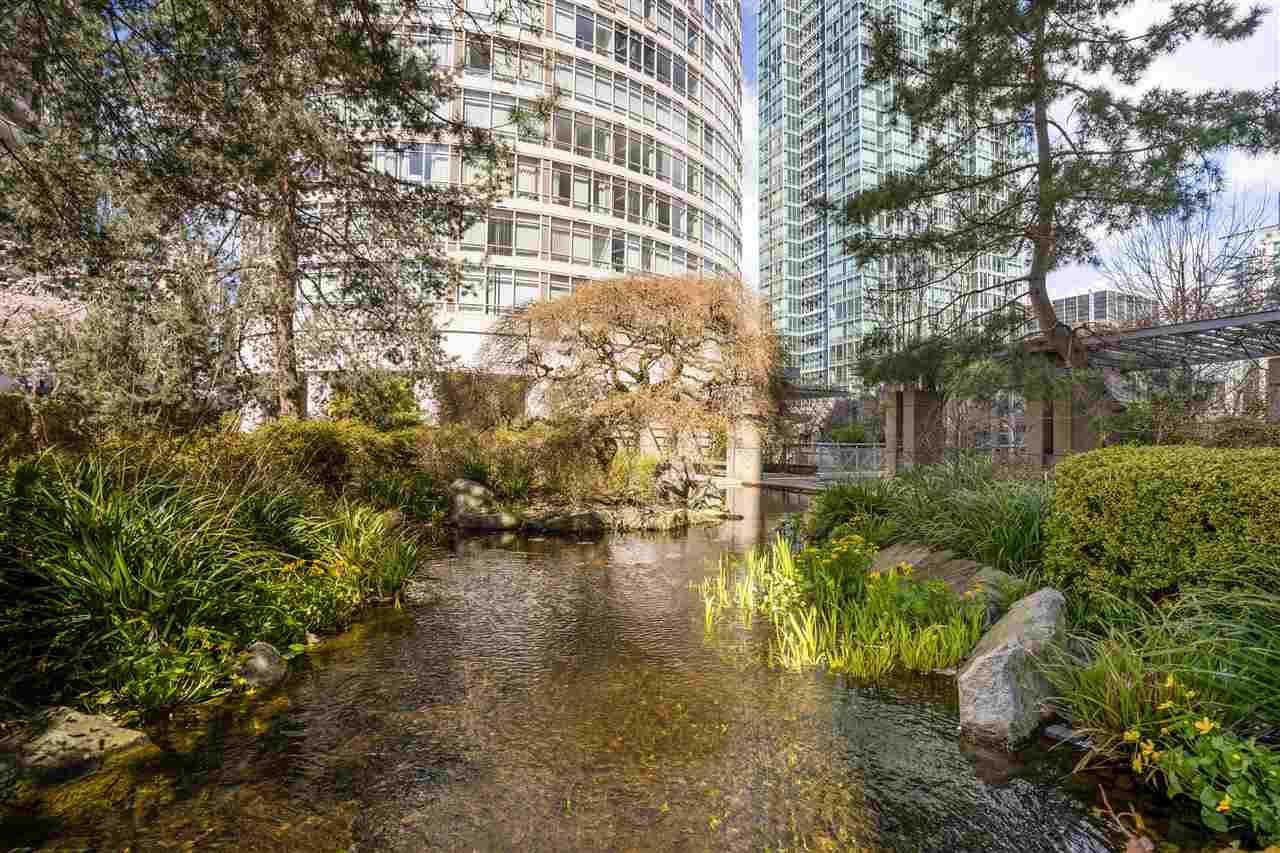 """Main Photo: 2003 1288 ALBERNI Street in Vancouver: West End VW Condo for sale in """"The Palisades"""" (Vancouver West)  : MLS®# R2591374"""