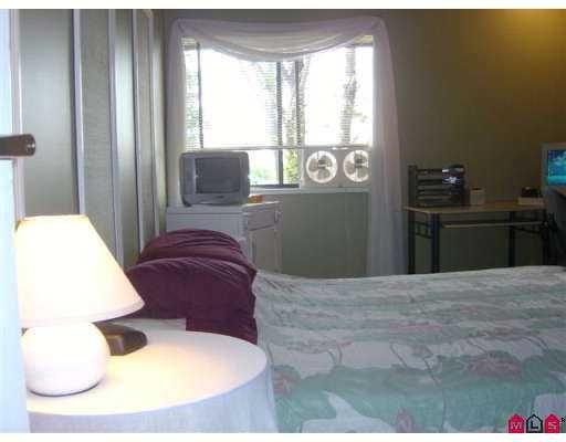 "Photo 5: Photos: 312 7426 138TH ST in Surrey: East Newton Condo for sale in ""Glencoe Estates"" : MLS®# F2618975"