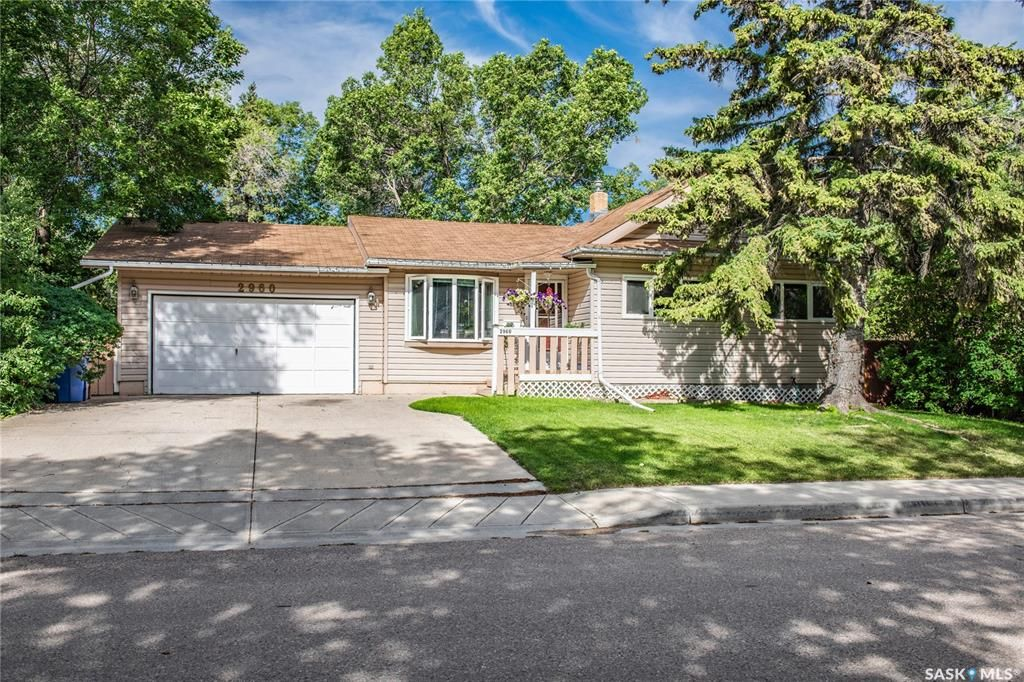 Main Photo: 2960 Robinson Street in Regina: Lakeview RG Residential for sale : MLS®# SK849188
