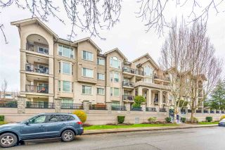 Photo 2: 111 20281 53A Avenue in Langley: Langley City Condo for sale : MLS®# R2561841