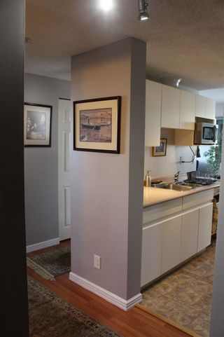"""Photo 10: 506 110 W 4TH Street in North Vancouver: Lower Lonsdale Condo for sale in """"OCEAN VISTA"""" : MLS®# R2042460"""