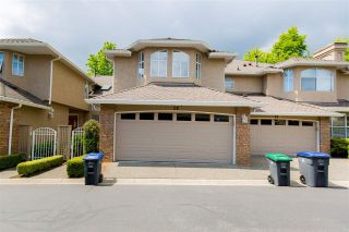 """Photo 3: 26 6211 W BOUNDARY Drive in Surrey: Panorama Ridge Townhouse for sale in """"LAKEWOOD HEIGHTS, BOUNDARY PARK"""" : MLS®# R2584830"""