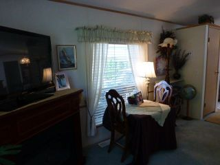 """Photo 5: 26 24330 FRASER Highway in Langley: Otter District Manufactured Home for sale in """"LANGLEY GROVE ESTATES"""" : MLS®# R2264005"""