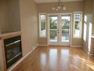 Photo 5: 484 Foster St in Victoria: Residential for sale : MLS®# 285068