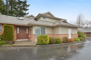 """Photo 1: 104 2513 W BOURQUIN Crescent in Abbotsford: Central Abbotsford Townhouse for sale in """"EDGEWATER PROPERTIES"""" : MLS®# R2152841"""