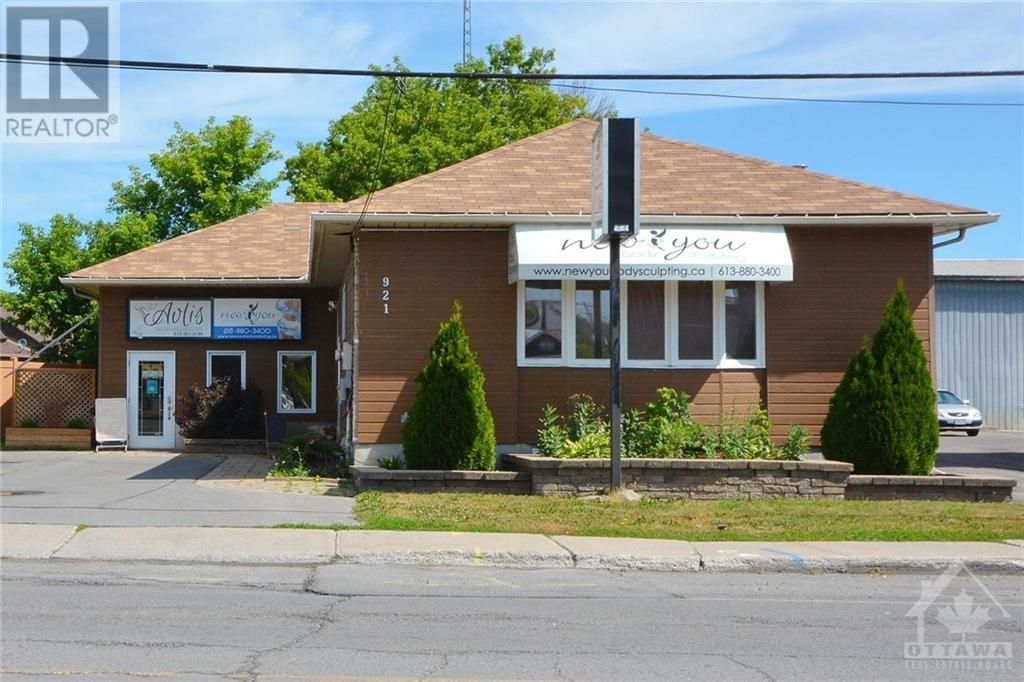 Main Photo: 921 NOTRE DAME STREET in Embrun: Office for sale : MLS®# 1227153