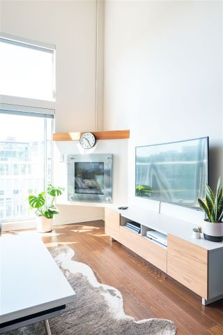 """Photo 10: 509 228 E 4TH Avenue in Vancouver: Mount Pleasant VE Condo for sale in """"The Watershed"""" (Vancouver East)  : MLS®# R2478821"""