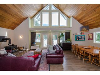 Photo 7: 13068 DEGRAFF Road in Mission: Durieu House for sale : MLS®# R2345180