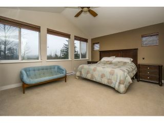 Photo 11: 7083 177A STREET in Surrey: Cloverdale BC House for sale (Cloverdale)  : MLS®# R2034691