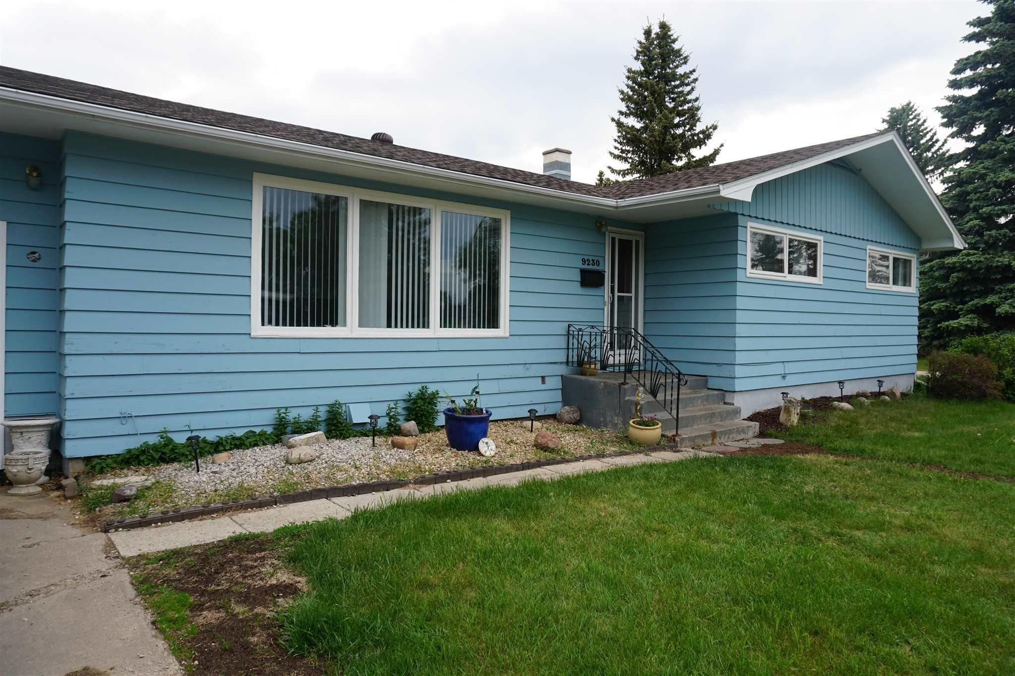 Main Photo: 9230 159 Street in Edmonton: Zone 22 House for sale : MLS®# E4248917
