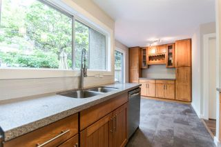 "Photo 4: 969 OLD LILLOOET Road in North Vancouver: Lynnmour Townhouse for sale in ""Lynnmour West"" : MLS®# R2080308"