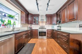 "Photo 5: 126 RAVINE Drive in Port Moody: Heritage Mountain House for sale in ""HERITAGE MOUNTAIN"" : MLS®# R2572156"