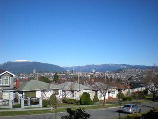 Photo 11: 3006 E 2ND AV in Vancouver: Renfrew VE House for sale (Vancouver East)  : MLS®# V877852