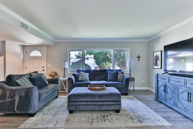 Main Photo: House for sale : 5 bedrooms : 6010 Agee St in San Diego