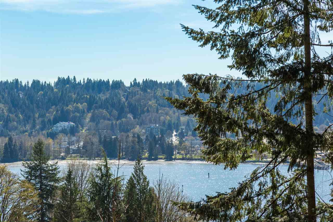 Main Photo: 653 FORESTHILL Place in Port Moody: North Shore Pt Moody House for sale : MLS®# R2053340
