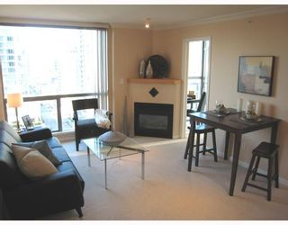 Photo 1: 1306 928 RICHARDS Street in Vancouver: Downtown VW Condo for sale (Vancouver West)  : MLS®# V756853