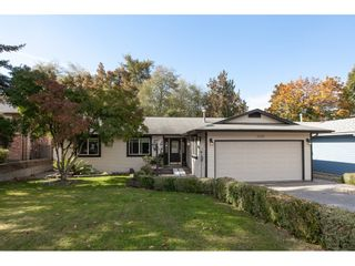 Photo 2: 6325 180A Street in Surrey: Cloverdale BC House for sale (Cloverdale)  : MLS®# R2314641