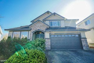 """Photo 2: 19686 71B Avenue in Langley: Willoughby Heights House for sale in """"Routley"""" : MLS®# R2446476"""