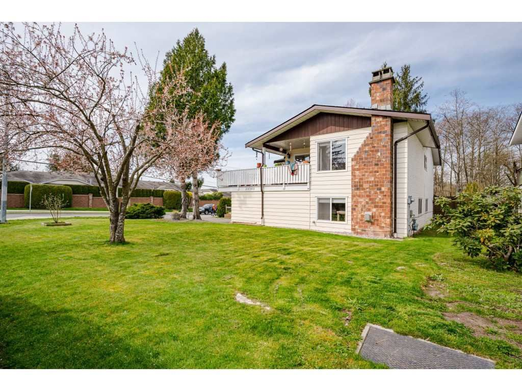 Photo 32: Photos: 20305 50 AVENUE in Langley: Langley City House for sale : MLS®# R2561802