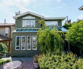 Photo 1: 191 N GLYNDE Avenue in Burnaby: Capitol Hill BN House for sale (Burnaby North)  : MLS®# R2383814
