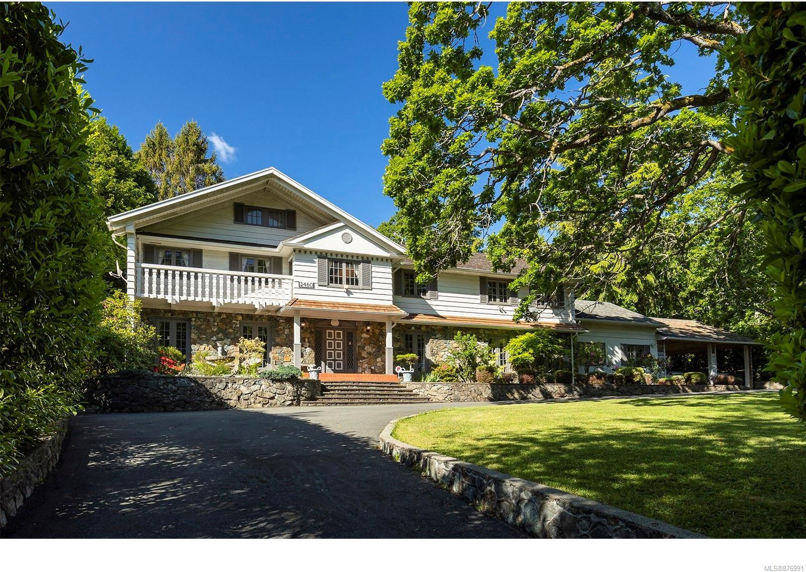 Main Photo: 3460 Beach Dr in : OB Uplands House for sale (Oak Bay)  : MLS®# 876991