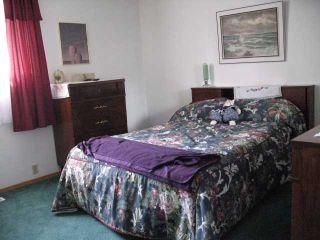 Photo 5: 135 LYNNBROOK Road SE in CALGARY: Lynnwood Riverglen Residential Detached Single Family for sale (Calgary)  : MLS®# C3517272