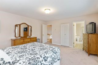 """Photo 24: 6356 187A Street in Surrey: Cloverdale BC House for sale in """"Eagle Crest"""" (Cloverdale)  : MLS®# R2586904"""
