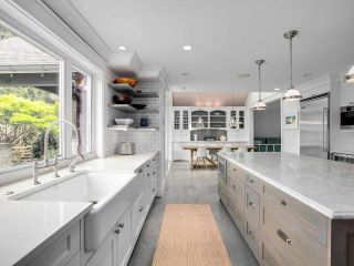 Photo 9: 1519 FARRELL Crescent in Delta: Beach Grove House for sale (Tsawwassen)  : MLS®# R2578933