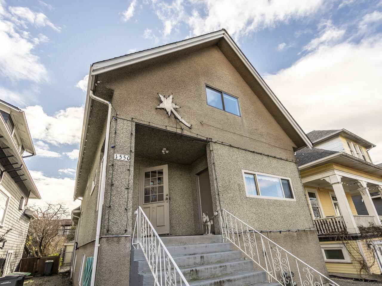 """Main Photo: 1550 GRANT Street in Vancouver: Grandview Woodland House for sale in """"GRANVIEW"""" (Vancouver East)  : MLS®# R2539844"""