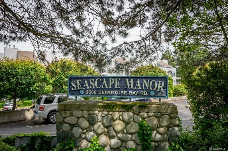FEATURED LISTING: 504 - 2560 Departure Bay Rd