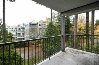 "Photo 17: 318 1740 SOUTHMERE Crescent in Surrey: Sunnyside Park Surrey Condo for sale in ""Spinnaker II"" (South Surrey White Rock)  : MLS®# R2319448"