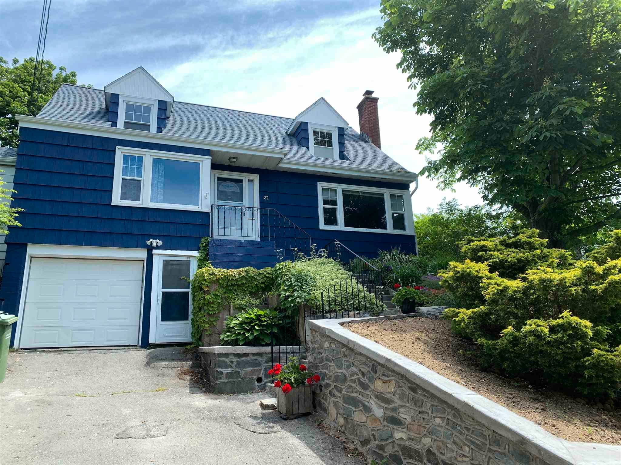 Main Photo: 22 Forest Road in Dartmouth: 13-Crichton Park, Albro Lake Residential for sale (Halifax-Dartmouth)  : MLS®# 202116221