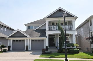 Photo 1: 19456 THORBURN WAY in Pitt Meadows: South Meadows House for sale : MLS®# R2189637