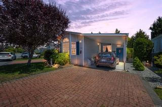 Photo 2: 61 7583 Central Saanich Rd in : CS Hawthorne Manufactured Home for sale (Central Saanich)  : MLS®# 879084
